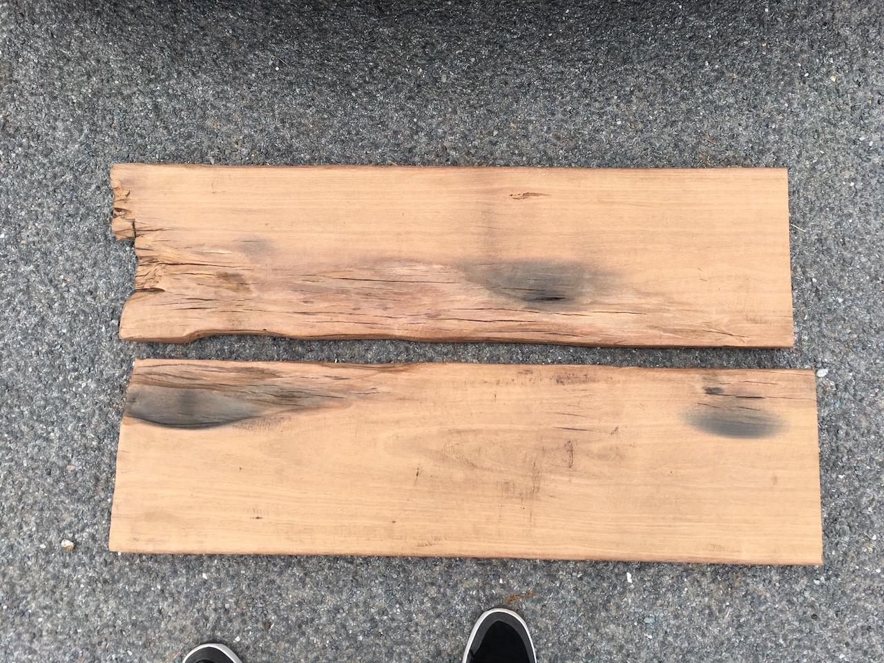 Diy hardwood coffee table made out of recycled wood part
