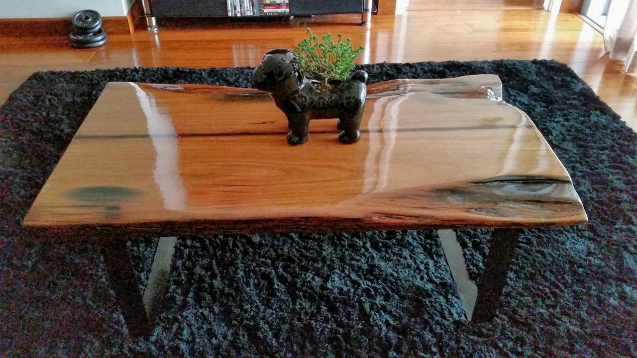 DIY Hardwood Coffee Table made out of recycled wood (part ...