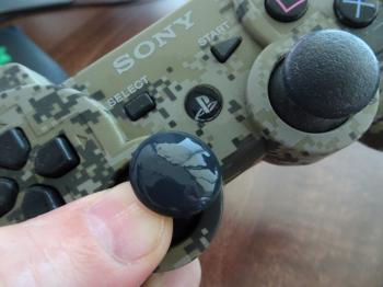 Cleaning The Sticky Playstation Controller Analogue Thumb
